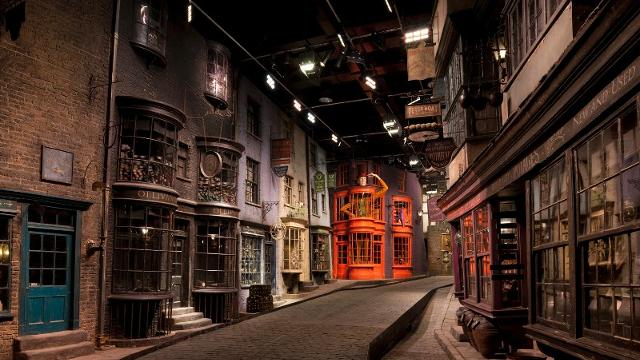diagon alley harry potter studios london